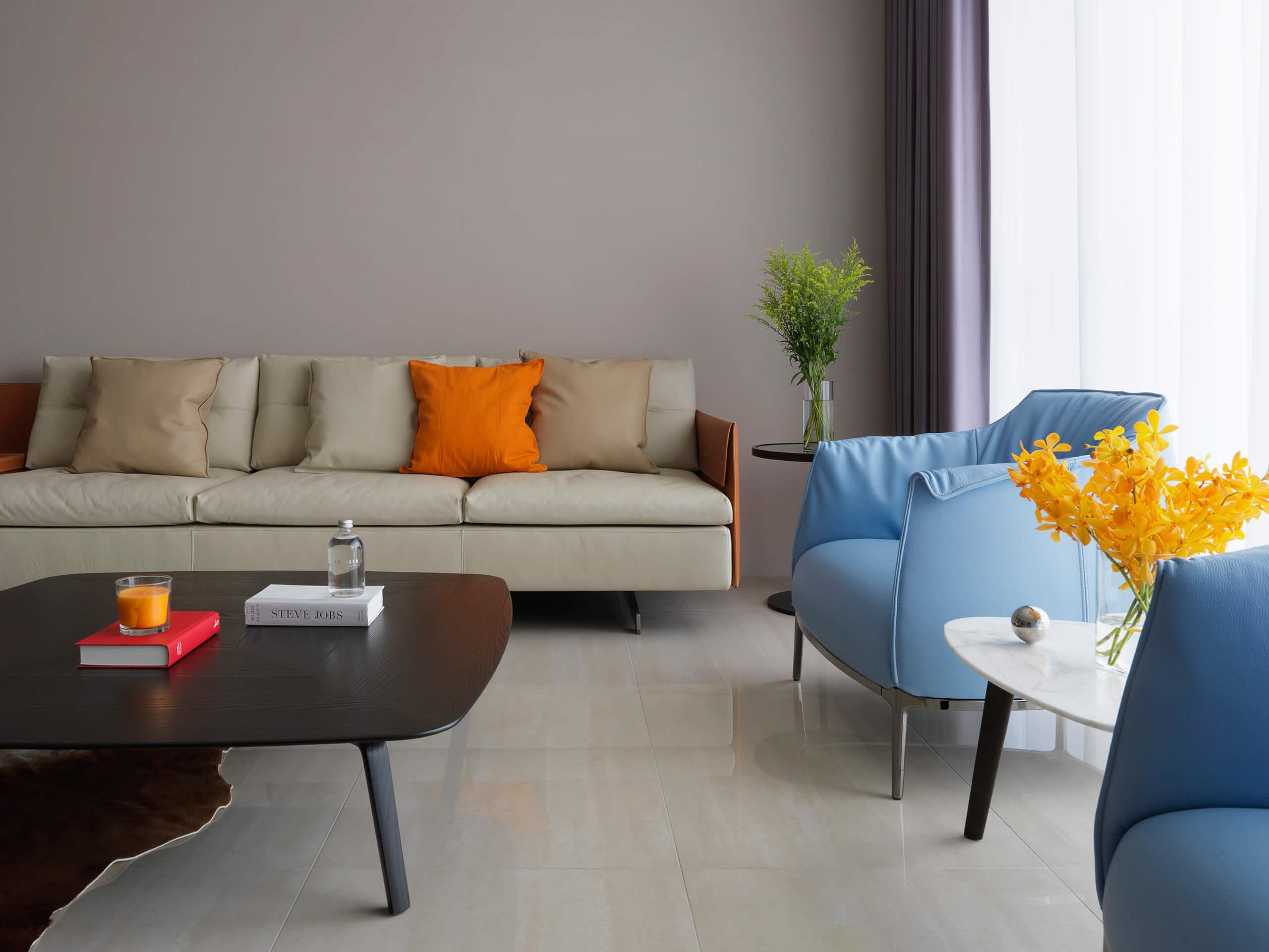 现代风三居室装修沙发设计图