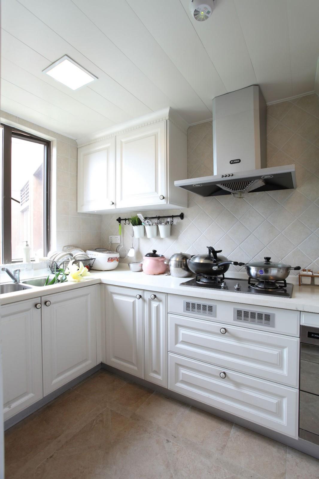 法式乡村三居厨房装修效果图