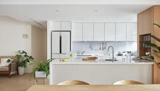 135㎡三居厨房装修效果图