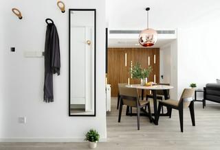 现代简约两居室玄关装修效果图