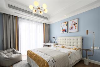 美式轻奢三居卧室装修效果图