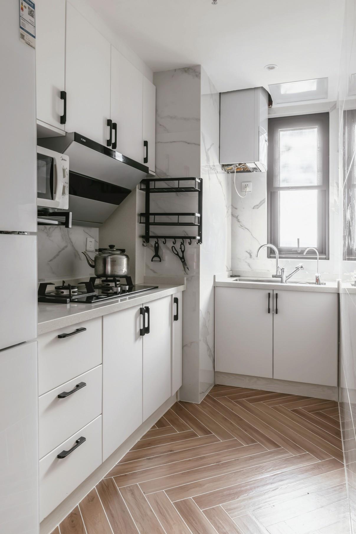 现代日式两居厨房装修效果图