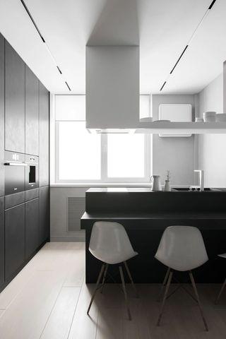 68平高级灰厨房装修效果图