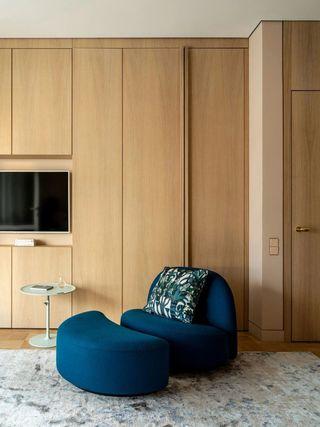 复古风公寓装修电视墙一角