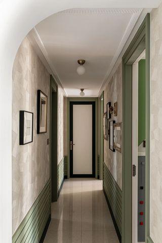 复古风三居室走廊装修效果图